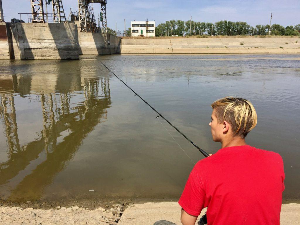 Рыбалка и шашлыки на берегу речки